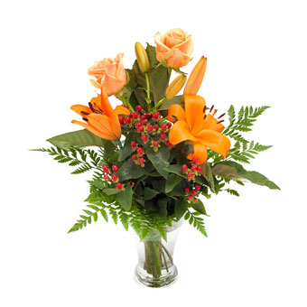 Strauß mit Lilien und Rosen in Orange