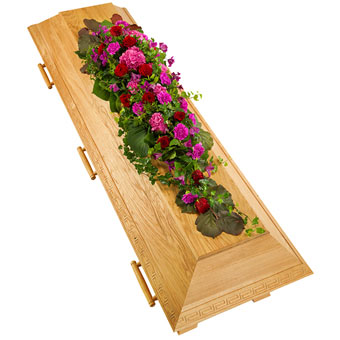 Coffin decoration in cerise and red