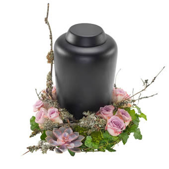 Urn arrangement in purple colours