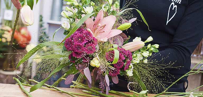 Neue Blumenkreationen-Kollektion