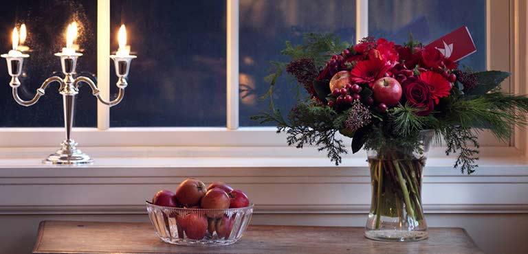 blumen zu weihnachten verschicken blumenversand euroflorist. Black Bedroom Furniture Sets. Home Design Ideas