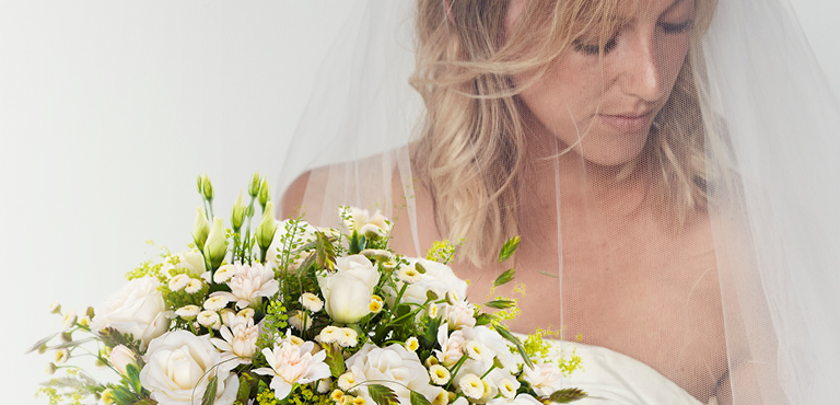 Send wedding flowers online