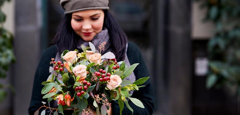 Send fresh autumn flowers